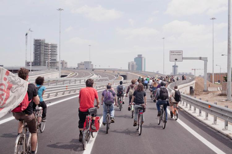 On the spot - Giuseppe Fanizza, critical bike no expo,  2015