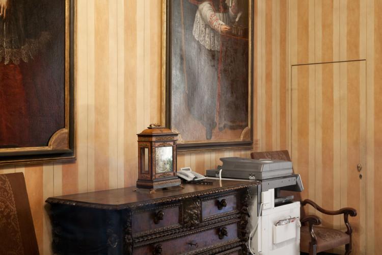 Giulia Ticozzi, Palazzo Marino, corridoio, 2013